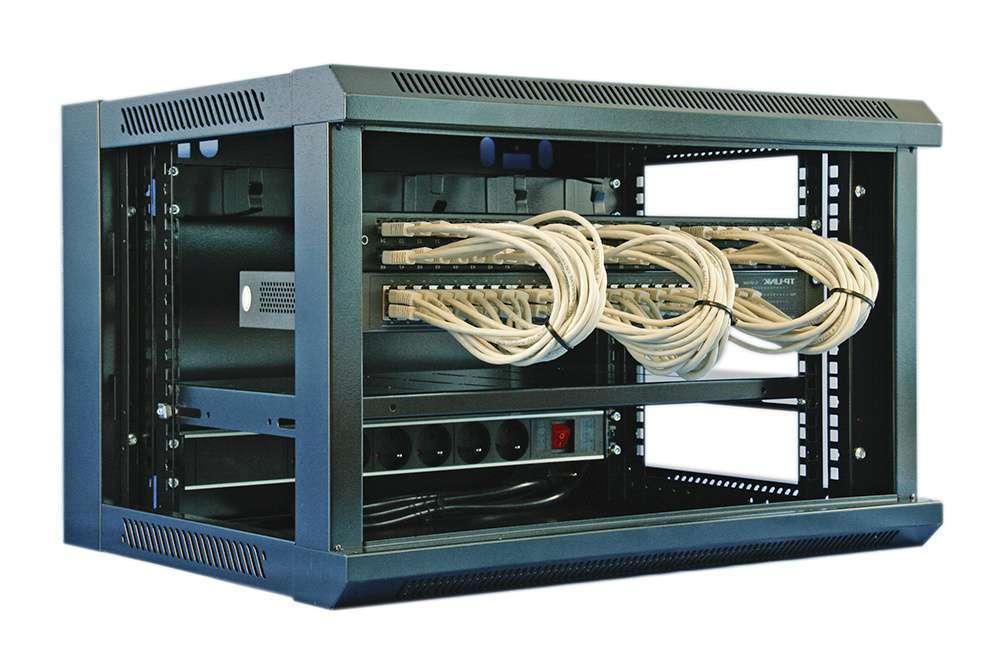 przykład montażu szafy zestawu sieciowego rack 19