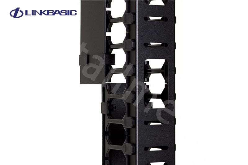 ☆ dedykowany do szaf 47U marki LINKBASIC o szerokości 800mm lub głębokości 1000mm