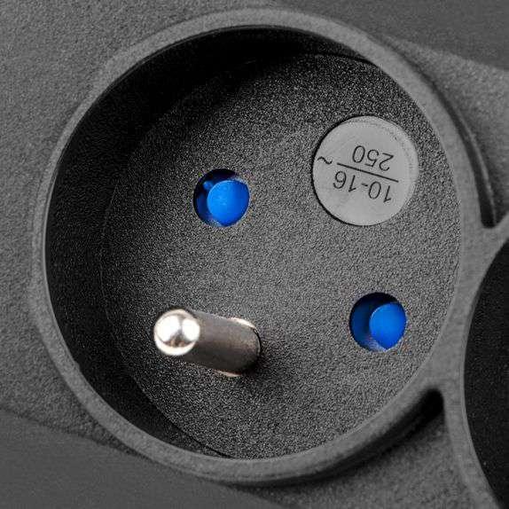 armac m12 wyjście: 12x gniazdo FR (230V)