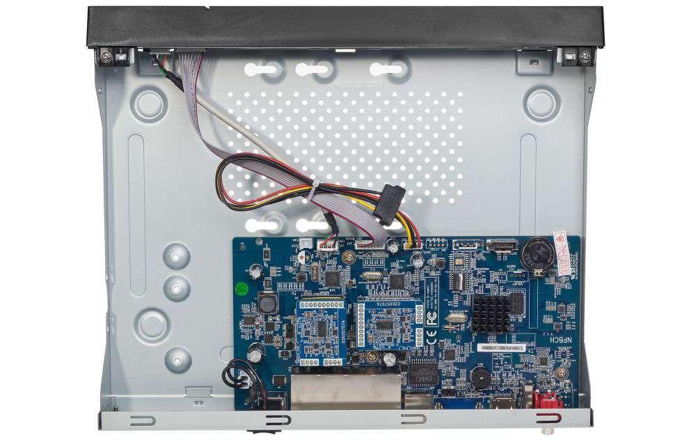 Wnętrze rejestratora PX-NVR0881H-P8