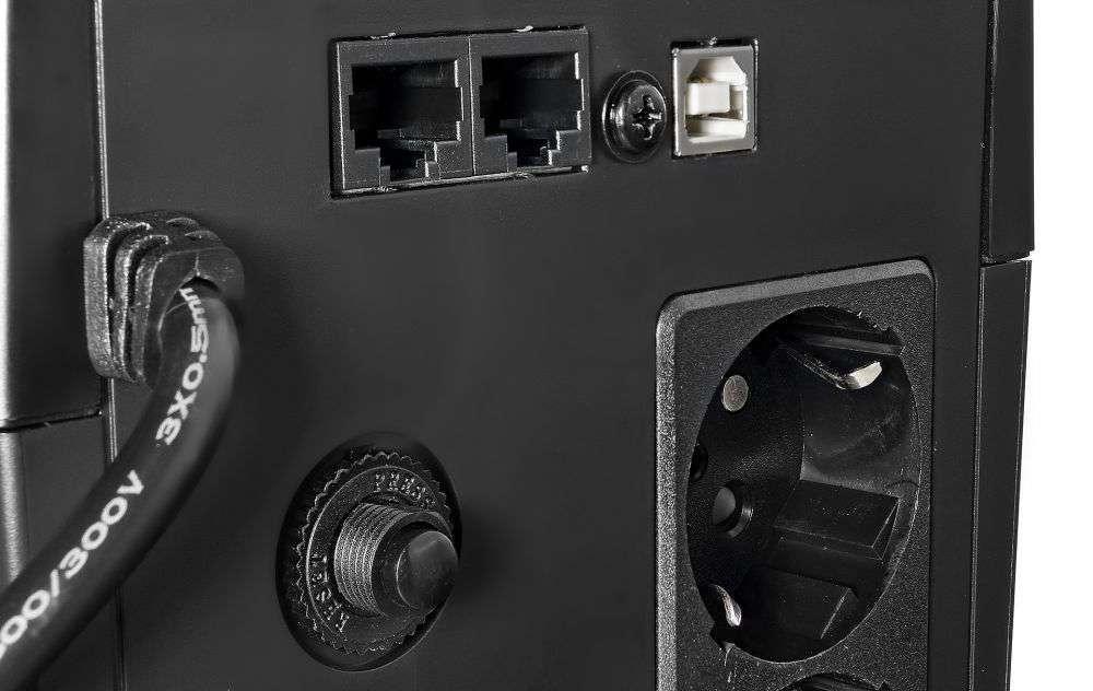 UPS1500-T-LI/LCD EAST WSPÓŁPRACA Z APFC